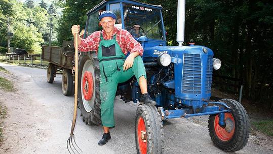 Kdo je tenhle traktorista?