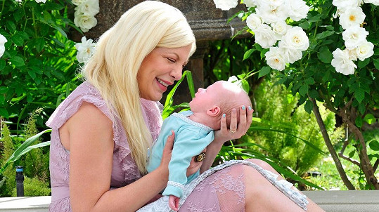 Tori Spelling je už pětinásobnou maminkou.