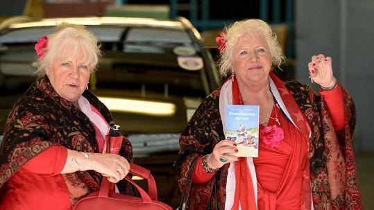 Sedmdesátiletá dvojčata se prostitucí živí 50 let.