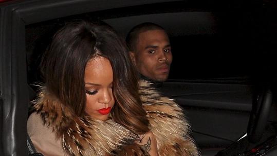 Rihanna má na Chrise špatné vzpomínky.