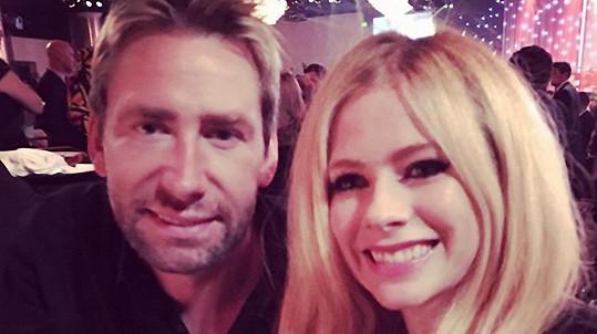 Avril Lavigne je už zase zamilovaná do svého manžela.
