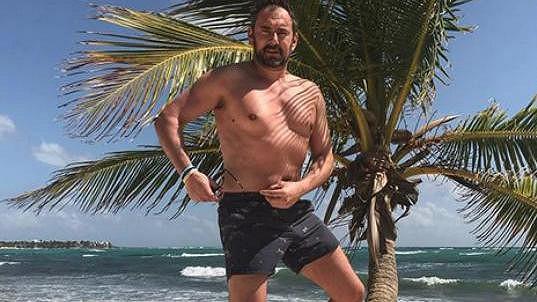 Emanuele Ridi se sluní v Mexiku.