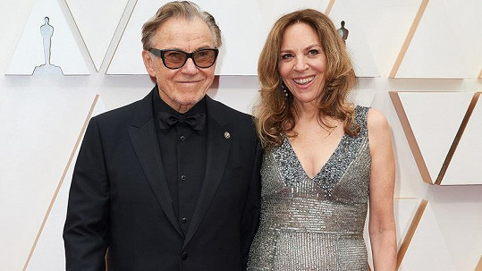 Harvey Keitel s manželkou Daphnou Kastner na oscarovém ceremoniálu