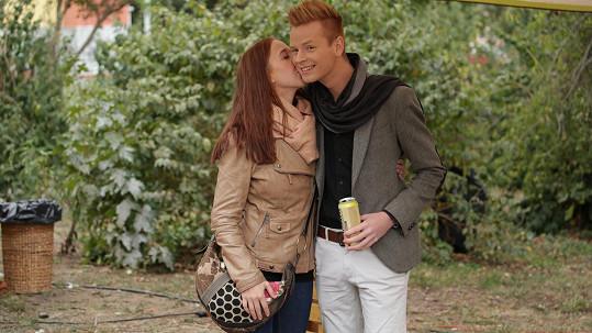 Pavel Dytrt s přítelkyní Erikou na festivalu Mezi ploty