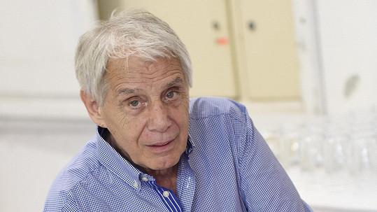 Josef Laufer je v nemocnici.