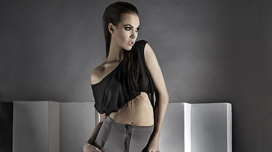 Kamila Nývltová v roli modelky