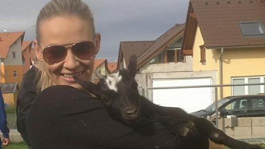 Martina a koza Martinka.