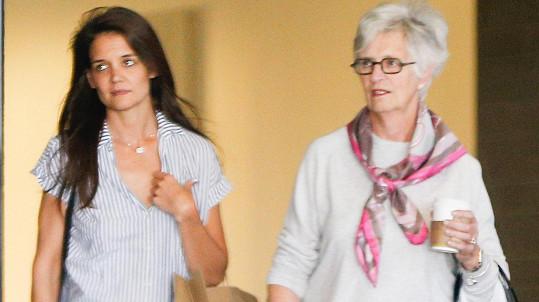Katie Holmes s maminkou Kathleen