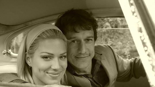 Martin Kraus a Eva Perkausová hrají v novém videklipu.