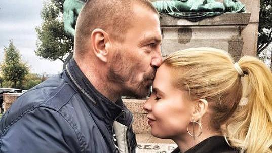 Tomáš Řepka je zamilovaný až po uši.