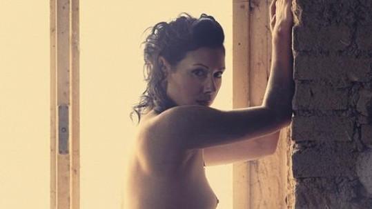 Adéla Taş je neskutečně pohledná žena. Ve fotogalerii uvidíte víc!