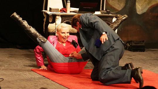 Pavel Trávníček a Kateřina Kornová řádili v divadle.
