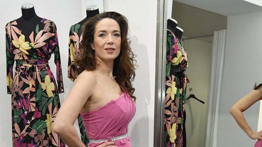 Tereza Kostková bude StarDance moderovat v růžovém modelu.