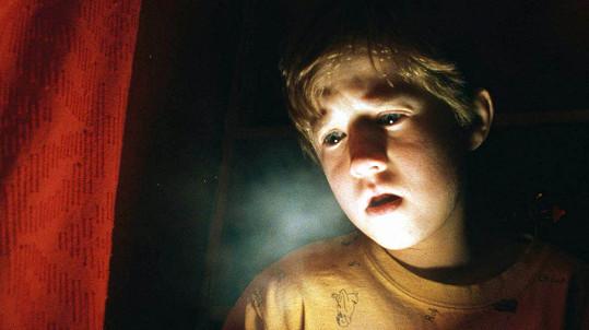 Haley Joel Osment ve filmu Šestý smysl
