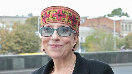 Inna Čurikova při natáčení filmu v Tbilisi.