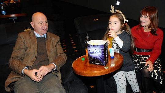 Ljuba Krbová s Ondřejem Neffem a vnučkou Dominikou