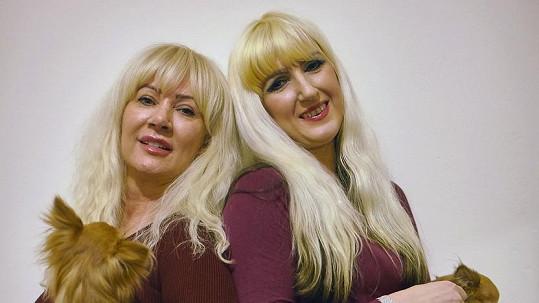 Janet Horrocks (vlevo) a její dcera Jane Cunliffe