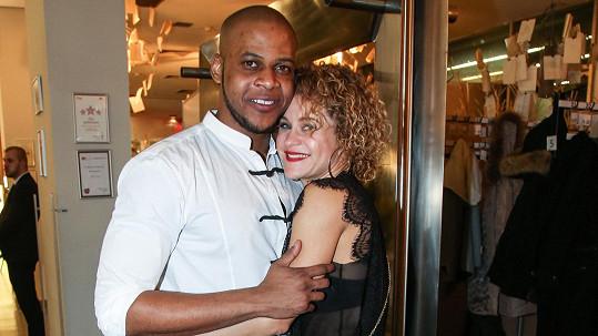 Luther Raphael Simon s Ivanou Hannichovou