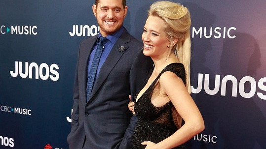 Michael Bublé a Luisana Lopilato čekají třetí dítě.