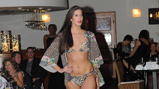Aneta Vignerová má nádherné ženské křivky.