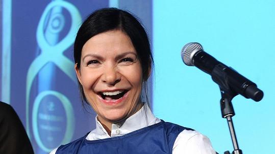 Anna K. dnes na Andělech poprvé zazpívá anglicky.