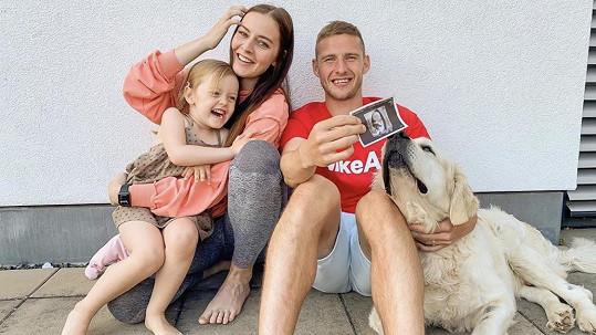 Tereza Kadeřábková s manželem a dcerou