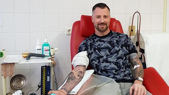 Petr Vágner při odběrech krve skoro omdlívá.