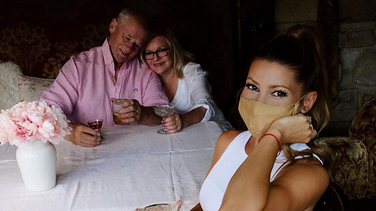 Tereza Kerndlová navštívila rodiče.