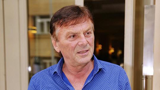 Pavel Trávníček má dole osm kilo.