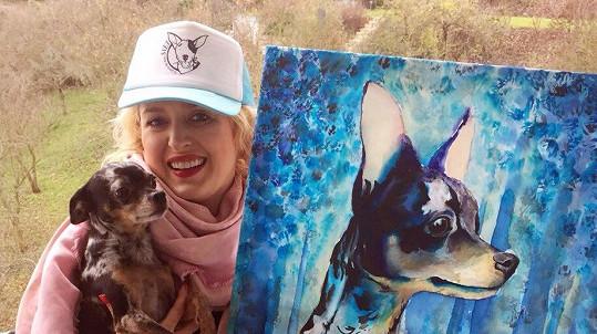 Miluška se svým psem a jeho podobiznou