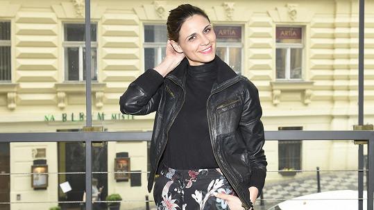 Herečka a tanečnice Lilian Fischerová se zúčastnila celého setkání a přednášky společně s dětmi.