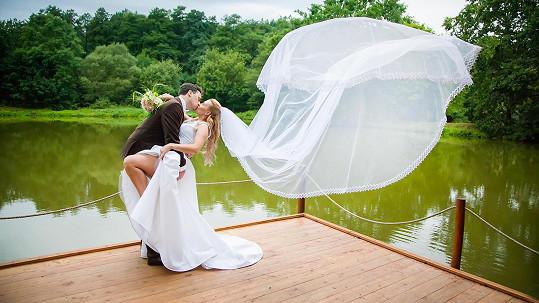 Elis Ochmanová se vdala