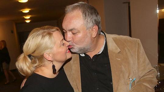 Václav Svoboda se po 23 letech oženil se svou životní partnerkou.