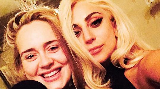 Kují Adele a Lady Gaga nějaké pěvecké pikle?