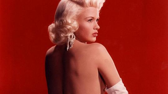 Jayne se celý život snažila dosáhnout popularity Marilyn.
