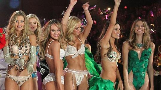 Nejkrásnější modelky současnosti ve spodním prádle.