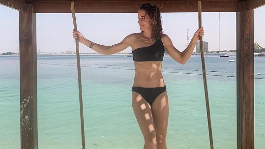 Lucie Křížková ukázala perfektní postavu v plavkách.