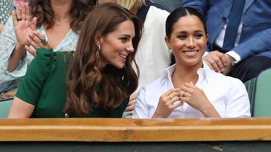Vévodkyně Kate a Meghan na ženském finále Wimbledonu