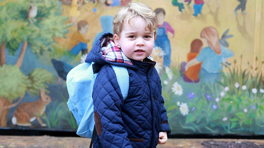 Princ George má za sebou první den ve školce.