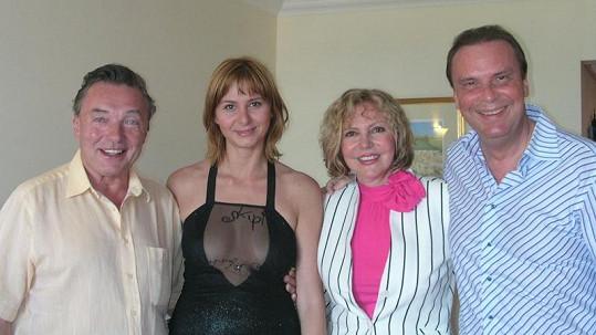 Ivana Gottová, tehdy ještě Macháčková, Karel Gott, Hana Zagorová a Štefan Margita na společné dovolené v roce 2004.