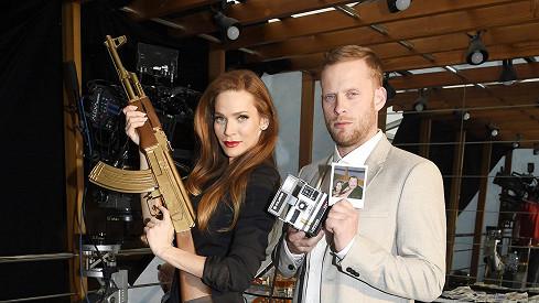 Andrea Verešová a Jakub Prachař v rolích, jež hráli Angelina Jolie a Brad Pitt