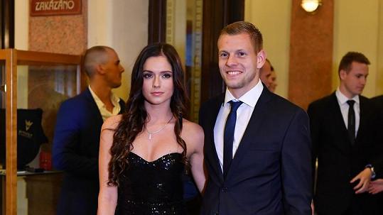 Matěj Vydra s partnerkou Šárkou