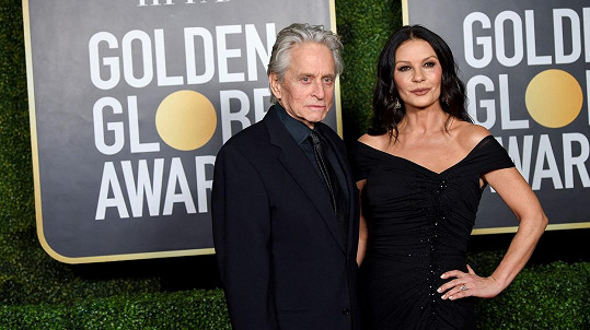 Catherine Zeta-Jones a Michael Douglas na udílení Zlatých glóbů