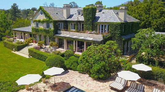Sousedé Harryho a Meghan prodávají sídlo v Montecitu.