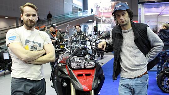 Jan Révai a Pavel Liška se brzy vypraví na motorce za dobrodružstvím.