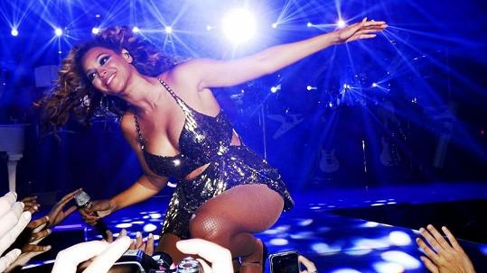 Beyoncé do svých vystoupení dává všechno.