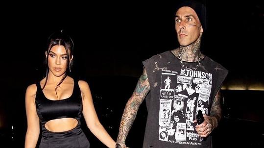 Travis Barker s Kourtney Kardashian