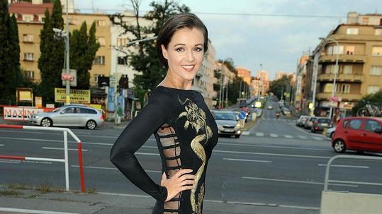 Iva Kubelková a její odvážné šaty