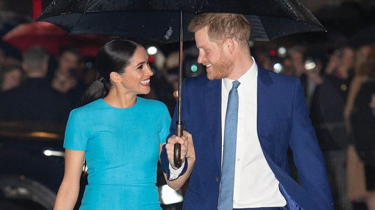 Harry a Meghan na snímku, který obletěl svět.