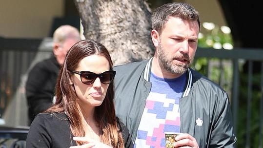 Ben Affleck a Jennifer Garner se rozvádějí. Teď už definitivně.